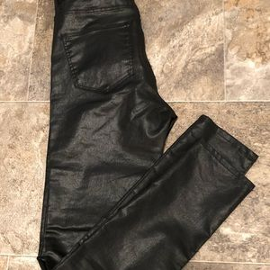 H&M black skinny jeans.